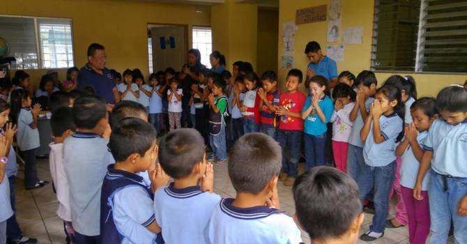 Pray for Jesus Viene School in Guatemala image