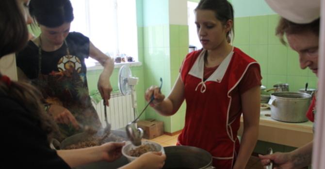 Soup and Apple Snacks to Ukraine image