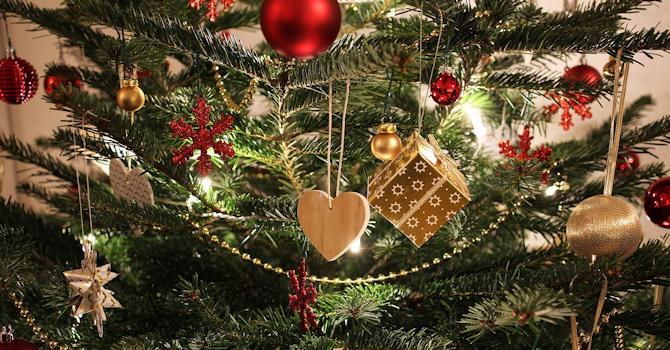 """Christmas Decorations"" image"