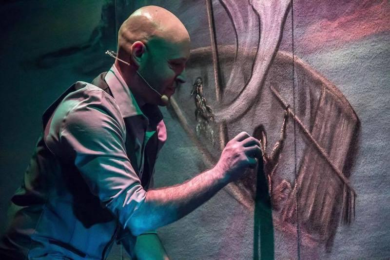 Chaulk Artist/ avec L'Artiste à la Craie: François Bergeron