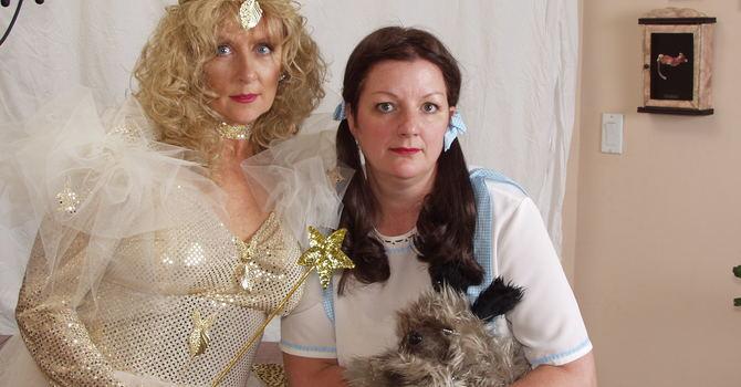 Glinda & Dorothy-The Wizard of Oz image