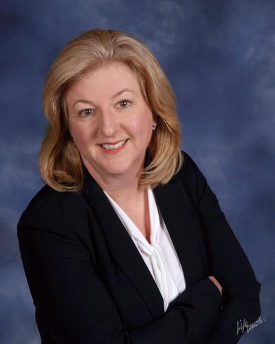 Lisa  Main