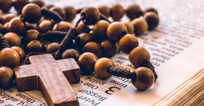 Learn to Pray the Anglican Rosary