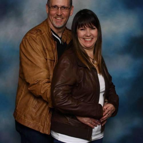 Pastor Dan & Starlene Starlund