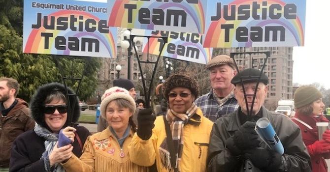 Justice Team joins hundreds in support of Unist'ot'en and Gidimt'en First Nations image