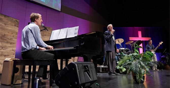 Live Sunday Worship Services