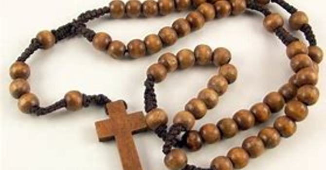Octobre, mois du Rosaire - October, Month of the Rosary image