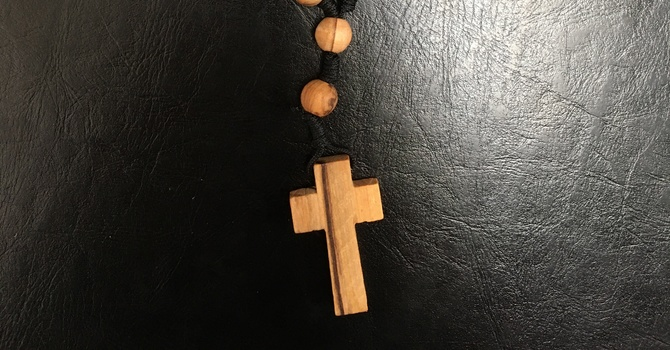 Learn to pray the Anglican rosary image