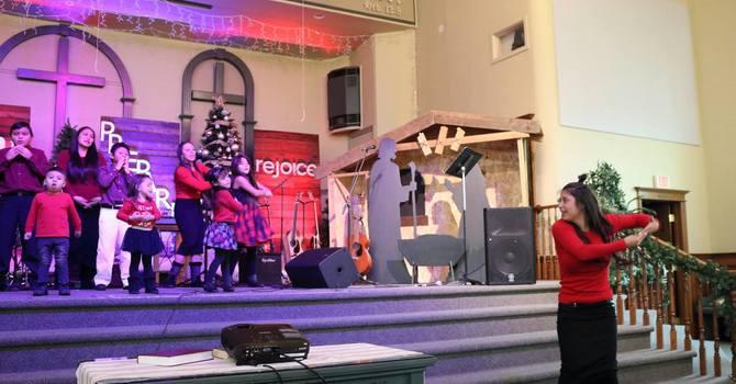 Childrens Christmas concert/ Concierto de Navidad de Ninos image