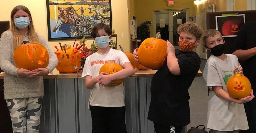 Preteen Pumpkin Carving!