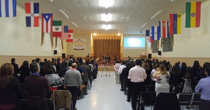 40e anniversaire de l'Église évangélique hispanique Bethel image