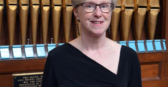 Organist Earns Choral Conducting Diploma image