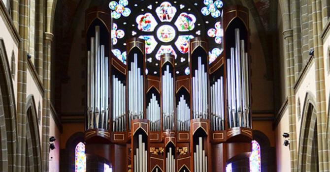 Music: voluntaries for Pentecost