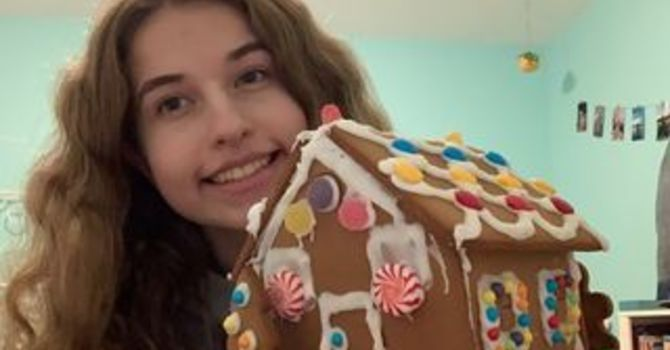 Youth & YA Decorate Gingerbread Houses image