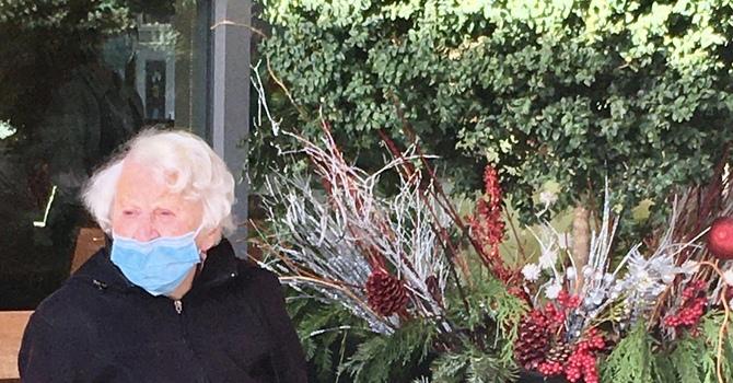 Carol-humming at Amica!  image