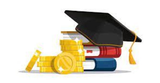 2021 Queen Mary Grade 12 Alumni Scholarship image