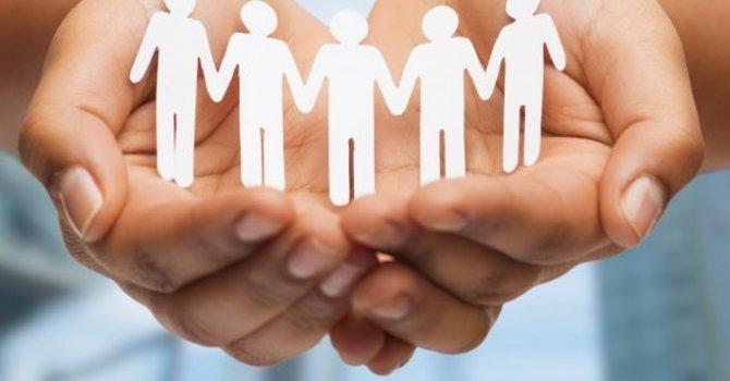 A Loving Community Proclaims God's Glory