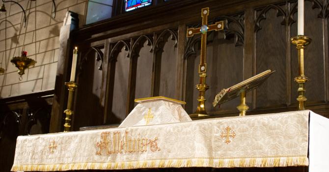 10AM Holy Communion